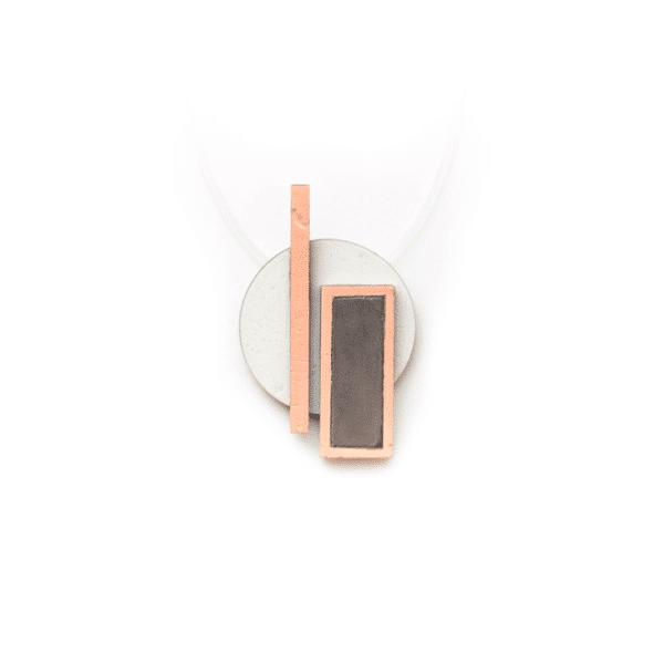 Fa-beton nyaklánc rózsaszín és barack színkombinációban.